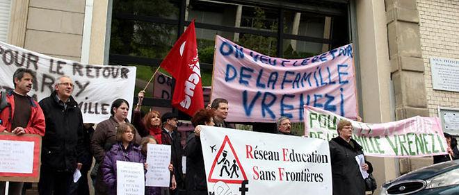 Une manifestation organisée le 12 mai en soutien à la famille Vrenezi, expulsée vers le Kosovo le 3 mai © PHOTOPQR / LE RÉPUBLICAIN LORRAIN