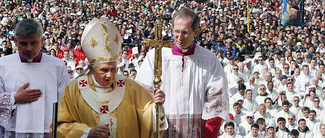 Un demi-million de personnes ont participé jeudi à la messe célébrée par Benoît XVI à Fatima © AFP
