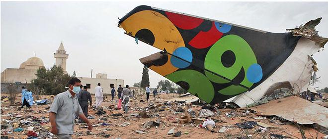 L'avion s'est écrasé à 6 heures, mercredi matin, lors de son atterrissage à l'aéroport de Tripoli, en Libye © AP Photo/Abdel Meguid al-Fergany