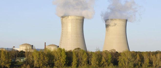 EDF avance ses coûts de maintenance de ses centrales nucléaires face aux trois concurrents sur le marché de l'électricité domestique GDF-Suez, Direct Énergie et Poweo © ABACA