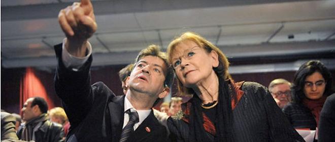 Le leader du Parti de gauche, Jean-Luc Mélenchon, et le numéro un du PCF, Marie-George Buffet, feront-ils front commun pour 2012 ? © AFP PHOTO / BORIS HORVAT