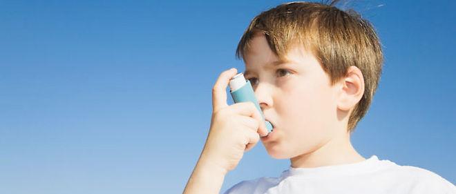 Asthme sévère dans l'enfance, bronchite chronique à l'âge ...