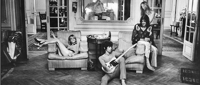 À Villefranche-sur-Mer, les Rolling Stones, ici dans le salon de la Villa Nellcôte, s'offrent un séjour très rock'n'roll © Dominique Tarlé