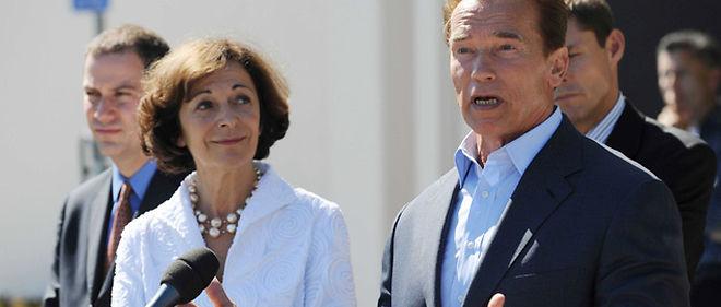 Anne-Marie Idrac et le gouverneur californien Arnold Schwarzenegger, le 17 septembre 2009 à San Francisco © WITT/SIPA