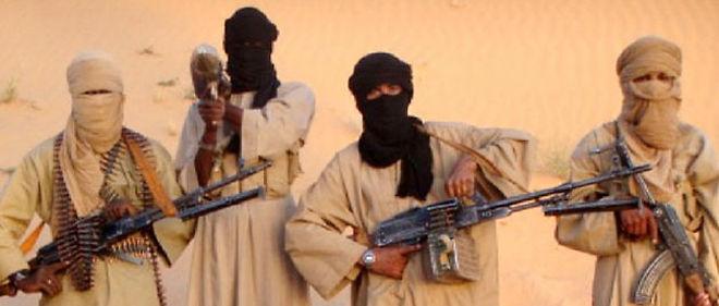 Des membres de l'Aqmi (Al-Qaeda au Maghreb islamique), le groupe qui détient le Français Michel Germaneau depuis le 22 avril © AFP