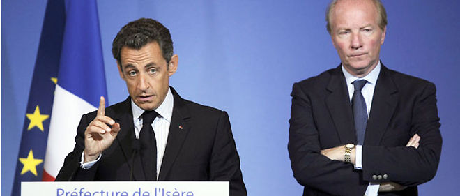 Nicolas Sarkozy et Brice Hortefeux, vendredi à Grenoble © AFP PHOTOS