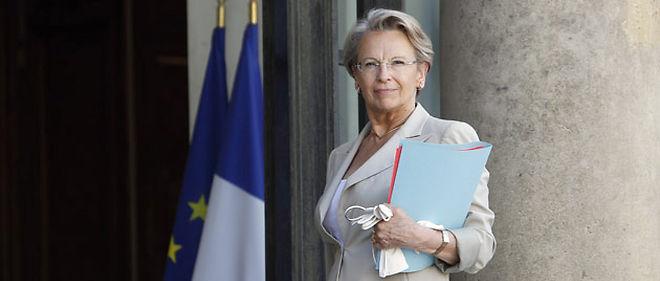 """Michèle Alliot-Marie assure que la présence de l'avocat """"durant toute la garde à vue"""" de droit commun est prévue dans l'avant-projet de loi réformant la garde à vue © AFP PHOTO FRANCOIS GUILLOT"""