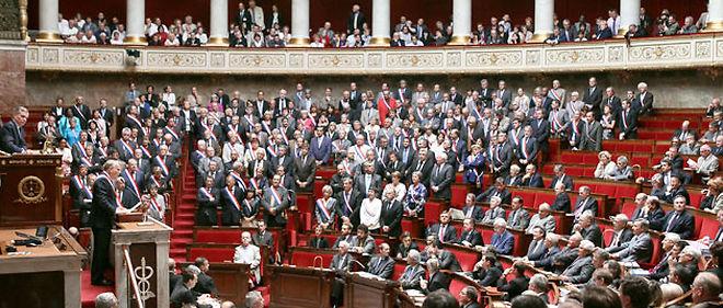 Sous les huées de l'opposition, les députés de la majorité ont voté le projet de réforme des retraites © AFP PHOTO PIERRE VERDY