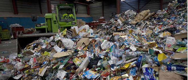 Tous les dechets recyclables ne sont pas acceptes par les centres de tri (C) SIPA