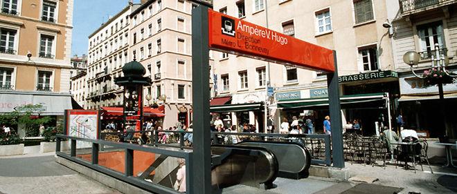 Un homme qui déjeunait à la terrasse d'un restaurant du centre de Lyon a été agressé pour ne pas avoir respecté le ramadan © TOURNERET/SIPA