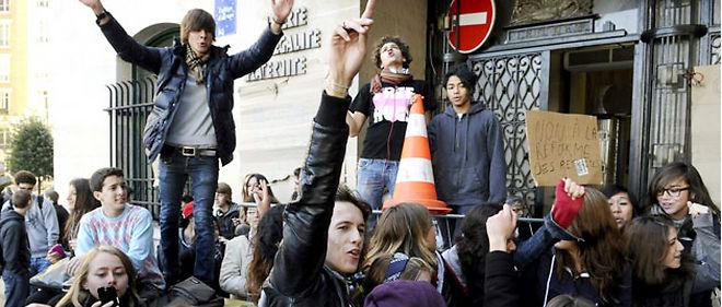 La participation des jeunes aux manifestations est un nouveau sujet de tensions @ SIPA