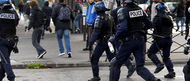 Un casseur présumé, soupçonné dans un premier temps d'être un policier, a été interpellé jeudi © Sylvain Lefevre / Maxppp