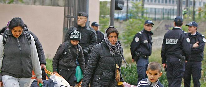 Les forces de l'ordre ont évacué un camp illégal de Roms en plein centre de Lyon © Maxppp