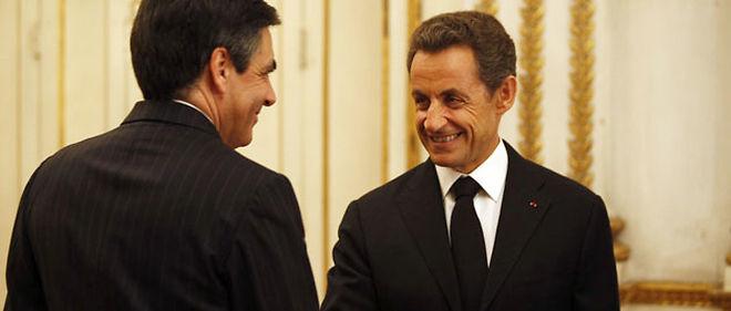 Nicolas Sarkozy est agacé par la popularité de son Premier ministre François Fillon, bien supérieure à la sienne © Albert Facelly /Abaca