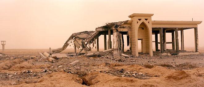 Ruines de l'aéroport international de Gaza, à Rafah © Fondation d'entreprise Carmignac Gestion