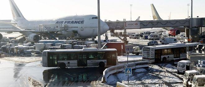 La neige sème la pagaille dans le ciel européen