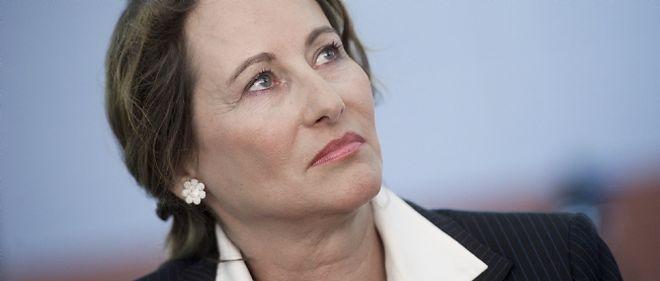"""Malgré ses réserves sur les 35 heures exprimées en 2007, Ségolène Royal refuse de """"déverrouiller"""" la durée légale du travail, comme le propose Manuel Valls"""