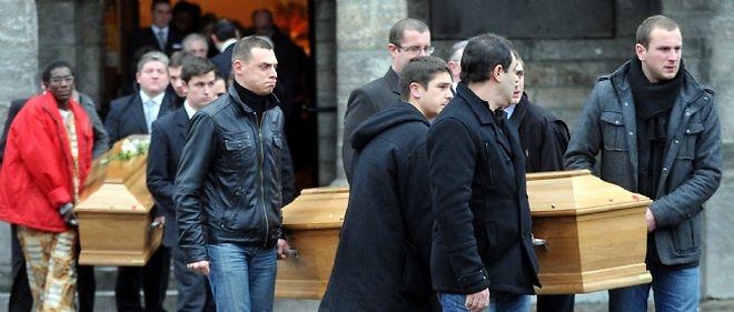 Les funérailles d'Antoine et de Vincent, enlevés le 7 janvier au Niger, ont eu lieu lundi en présence de Nicolas Sarkozy à Linselles.