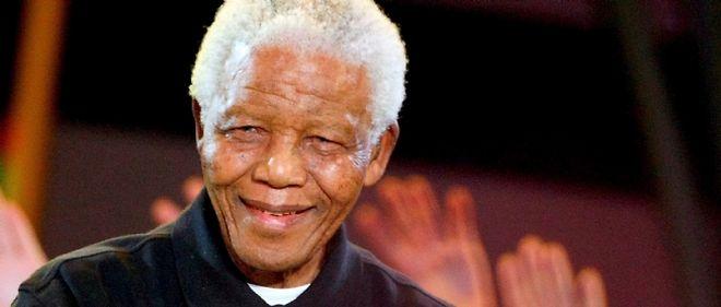 L'ancien président sud-africain, 92 ans, a été hospitalisé, officiellement pour des examens de routine.