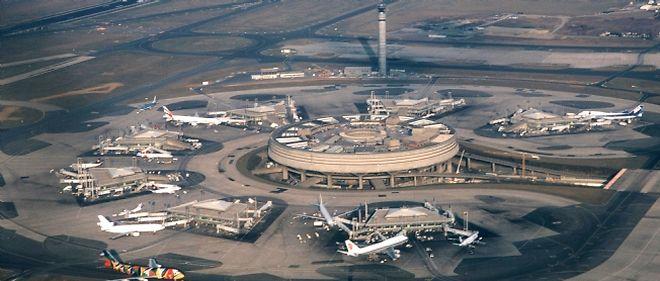 Dès la fin 2011, les avions bruyants ne pourront plus atterrir, entre 22 heures et 6 heures, à l'aéroport parisien de Roissy-Charles de Gaulle.