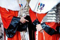 Au cours de l'audience solennelle de rentrée 2010 de la Cour de cassation, les toges rouges sont sorties, le Premier ministre est attendu ©Martin Bureau