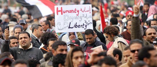 Le gouvernement égyptien a entamé des discussions avec l'opposition pour trouver une sortie à la crise.