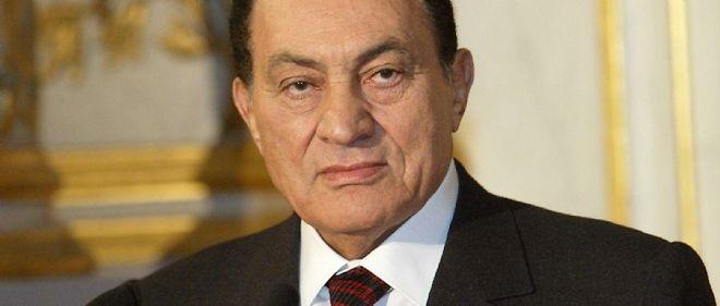 Hosni Moubarak, dont on supposait qu'il allait démissionner, reste au pouvoir.