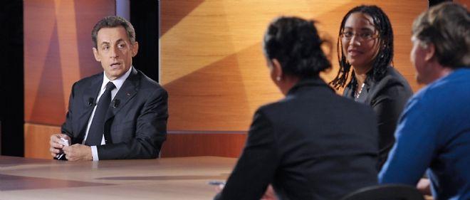"""""""Plutôt que me focaliser sur l'indemnisation du chômage, je préfère me focaliser sur des moyens pour que les gens trouvent un travail"""", a insisté Nicolas Sarkozy jeudi soir sur TF1."""