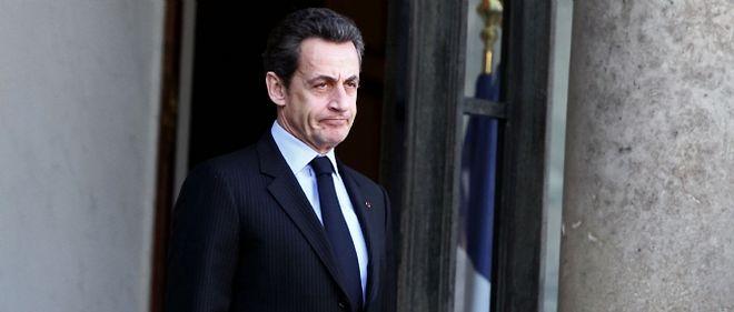 Nicolas Sarkozy pourrait également aborder dans son allocution de ce soir un remaniement annoncé du gouvernement.