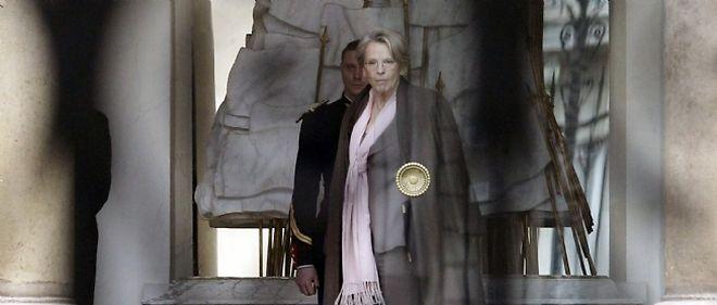 Michèle Alliot-Marie quitte l'Élysée jeudi 24 février à l'issue d'une entrevue avec le chef de l'État Nicolas Sarkozy.