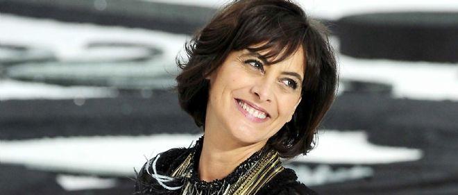 """Après les podiums, Inès de la Fressange, 53 ans, connaît un gros succès dans l'édition avec """"La Parisienne"""" (coauteur : Sophie Gachet, chez Flammarion)."""