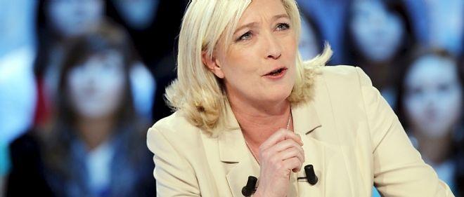 Marine Le Pen affirme qu'elle sortira la France de la zone euro si elle arrive au pouvoir.