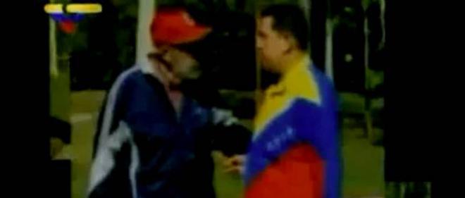Les images diffusées par la télévision cubaine montrent Hugo Chávez en pleine conversation avec Fidel Castro.