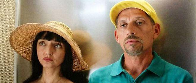 """Maria de Medeiros et Jacques Gamblin dans """"Ni à vendre ni à louer"""", un film de Pascal Rabaté."""