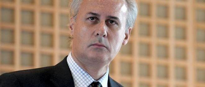"""La levée de """"l'inviolabilité parlementaire"""" de Tron était nécessaire pour que continue à s'exercer le contrôle judiciaire auquel est soumis l'ancien secrétaire d'État à la Fonction publique."""
