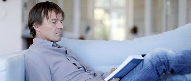 """Nicolas Hulot a déclaré souhaiter que Eva Joly puisse """"sereinement lancer, mener sa campagne et développer son programme"""" pour la présidentielle de 2012."""