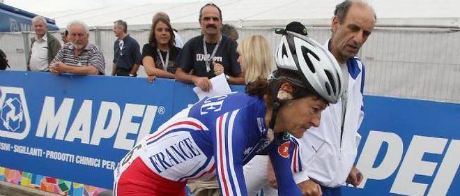 Jeannie Longo, sportive préférée des Français, est déjà mise en cause par l'Agence française de lutte contre le dopage (AFLD) pour un défaut de localisation.