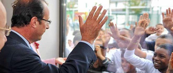 François Hollande en visite dans une école primaire à Tours le 5 septembre.