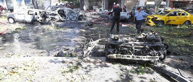 L'explosion de la voiture a endommagé six autres véhicules et brisé les vitres de nombreux bâtiments aux alentours.