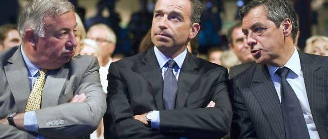 Ni Gérard Larcher, ni Jean-François Copé, ni François Fillon n'ont vu dans la défaite de la droite aux sénatoriales, dimanche, une sanction de la politique gouvernementale.