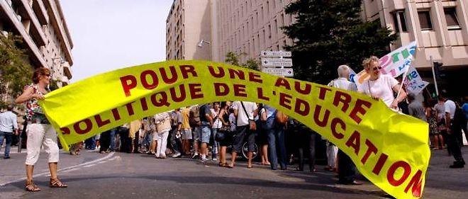 La gauche se montre solidaire de la grève du 27 septembre des enseignants du public et du privé.