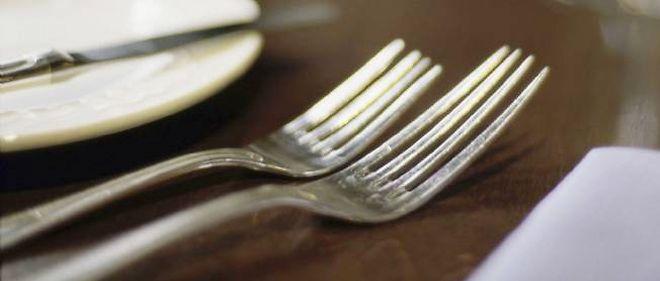Selon les chercheurs américains de l'université de l'Utah, les grandes fourchettes donnent une impression de satiété plus rapide.