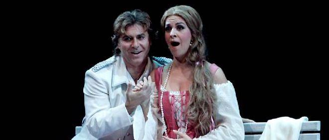 Roberto Alagna et Angela Gheorghiu jouant le docteur Faust et Marguerite.