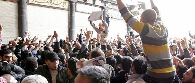 La répression sanglante se poursuit en Syrie.