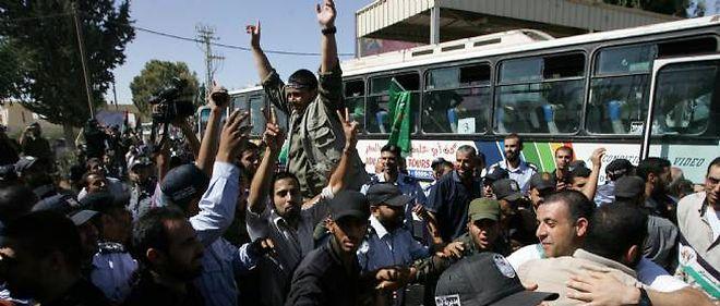 Les prisonniers libérés par Israël ont rejoint leurs proches.