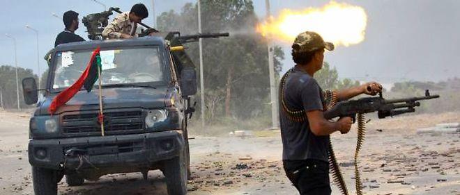 Les circonstances de la mort de Kadhafi restent peu claires.