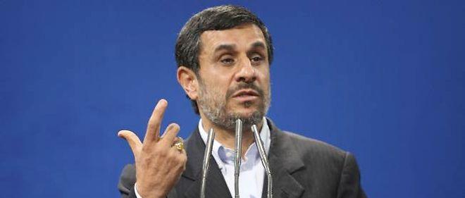 La frange dure du régime iranien accuse Ahmadinejad de chercher à limiter le rôle politique du clergé chiite.