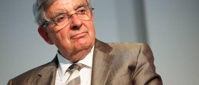 """Jean-Pierre Chevènement a décidé d'être candidat en 2012, dix ans après sa candidature de 2002 qui lui avait valu d'être considéré comme l'un des """"tombeurs"""" de Lionel Jospin."""