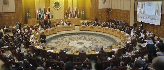 La réunion ministérielle, au siège de la Ligue arabe, consacrée aux mesures à prendre à l'encontre de Damas, lors de la cession du 12 novembre au Caire.