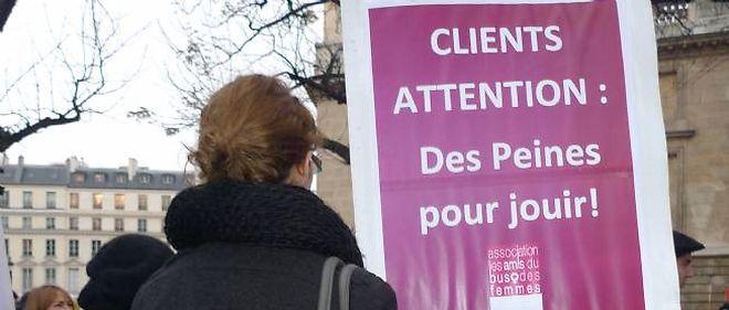 Selon les travailleuses du sexe qui manifestaient à Paris, pénaliser le client risque de les précariser.